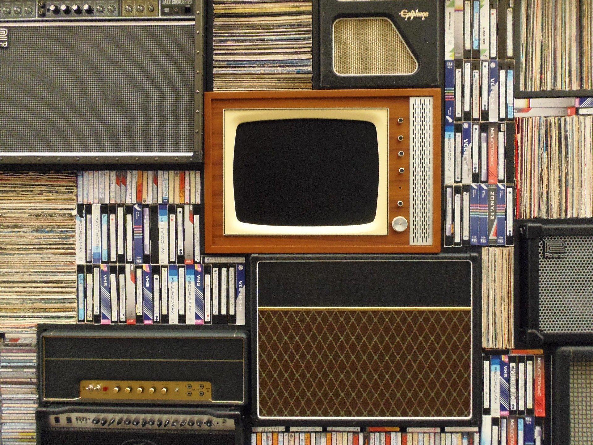 old tv_vhs